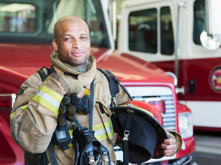 a solução Cedro é a tecnologia Proban, um produto retardante a chamas que faz com que o uniforme não incendeie quando exposto a fogo repentino e arco elétrico