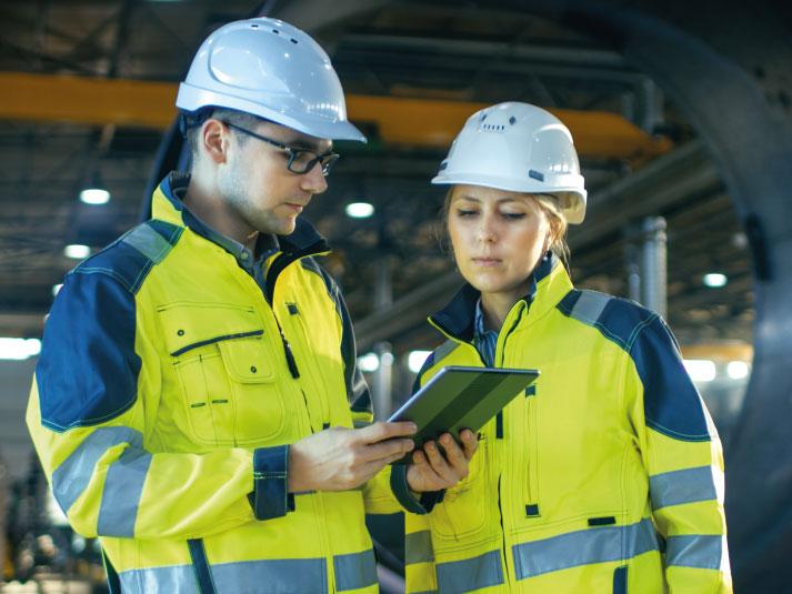As vantagens do uso do uniforme em empresas