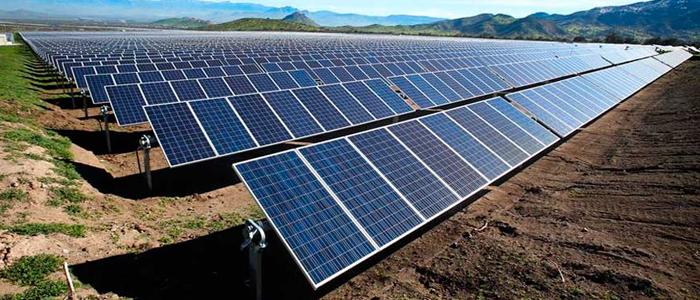 A ascensão da energia fotovoltaica e a sua aplicação em empresas brasileiras